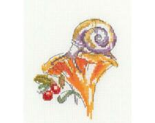 RTO Counted Cross Stitch Kit - Girolle - Snail on a girolle mushroom