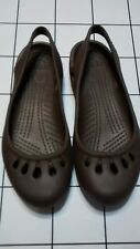 Womens Crocs  Kadee flat relaxed  shoes NEW Brown 6 W.