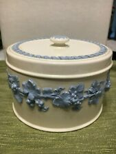 Wedgewood Queen's Ware China candy box with lid / powder box, 5""