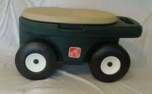 STEP 2 Garden Hopper Rolling Cart with Handle and Storage - Great Condition!