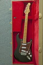 G&L Tribute Legacy MN Black E-Gitarre + Thomann E-Gitarren Koffer Tweed