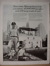 1965 Metropolitan Life Insurance Family on Houseboat Vintage Print Ad 10343