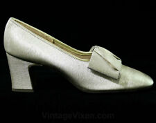 Size 6 Sparkling Gold Shoes 1960s Metallic Heels Pumps Fine Brocade Square Bows