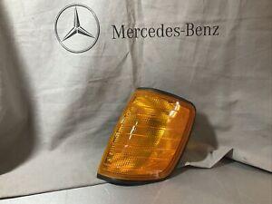 For Mercedes-Benz w124 300te 300e 300ce 260e Turn Signal Lens Driver side oem