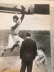 Mickey Mantle New York Yankees Original Press/Wire Photo 1960 Twins HOF