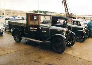 CLASSIC AUSTIN TRUCK ON PHOTO PHOTOGRAPH ISLE OF WIGHT SOUTHERN RAILWAY PICTURE.