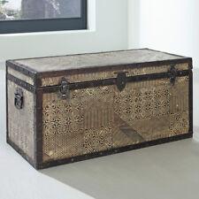 Truhe Goa von Wolf Möbel mit Metallapplikationen Handarbeit Vintage Used Look