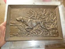Ancien Cadre Bronze Massif Chien d'Arrêt de Chasse Décor Cabane de Chasseur