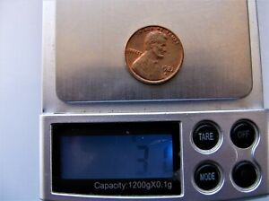 3.1 grams 1982-D AND 1982 No Mint mark Copper Penny's large Date UNCIRCULATED