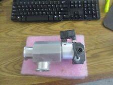VAT Valves Model: F-28095-46 Vacuum Bellows Valves Angled, Aluminum Body <