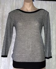ANN TAYLOR LOFT SIZE S BLACK & WHITE KNITTED TOP