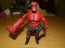 MEZCO 2005 Hellboy Closed Mouth Comic Book Action Figure with Weapon ~ EXCELLENT
