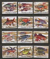 Africain poisson Lot de 12 MNH timbres 1971 République du Guinée #570-81
