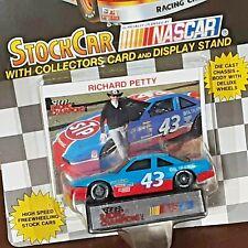 Richard Petty Racing #43 STP 1992 Pontiac GranPrix NASCAR 1:64 Diecast Stock Car