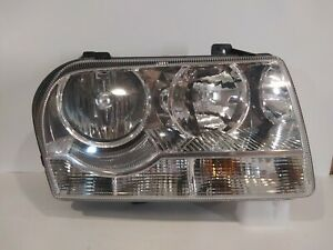 2005-2010 Chrysler 300 Headlight Assembly Halogen right side used genuine Oem