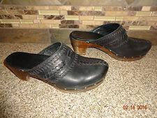 Womens UGG Viviva Sz 10/41 Black Leather Lacing Mules/Slide Clogs Shoes