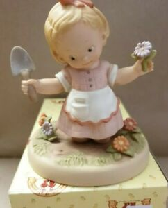 """Mabel Lucie Attwell, memories of yesterday 1998 """"Make a little garden , New-Box"""