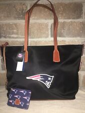 NEW ! NWT DOONEY & BOURKE NFL Patriots Top Zip Nylon Tote in Black