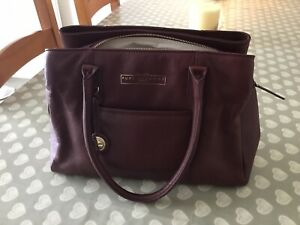 Pure Luxuries London Leather Handbag.....