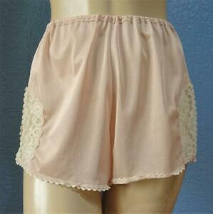 VINTAGE SILKY PEACH NYLON FRENCH KNICKERS PANTIES Med