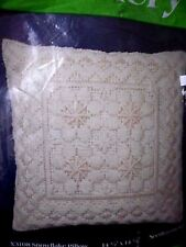 SNOWFLAKE PILLOW Needlepoint kit 1980 Creative Expressions factory sealed X3108