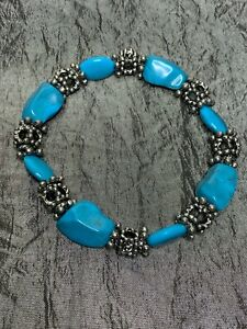 Vintage French Bracelet - Metal and turquoise beads