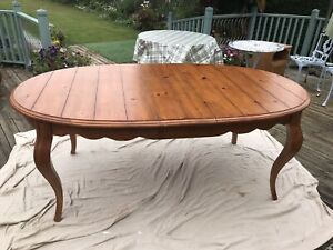 Provençal French Style Pine Extendable Oval Dining Table