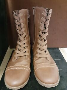 Time And Tru Women's Brown Lace Up Boots. Size 8 1/2