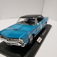 Maisto 1965 Pontiac GTO Blue 1:18 Special Edition Diecast Car