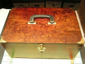 Vintage 1/24 Scale Slot Car Pit Box