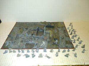 HO scale mini ARMY MEN ~ assortment of plastic military figures & diorama build