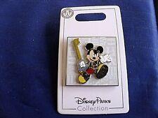 Disney * KINGDOM HEARTS - MICKEY & KEY / KEYBLADE * New on Card Trading Pin