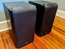 Pair of Infinity Primus P162 Bookshelf Speakers - black, good condition
