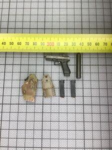 1/6 DamToys NSWDG 78065 - Pistol Set