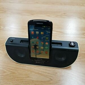 Samsung Galaxy Player 5.8 YP-GP1 Black 16GB Android with Docking Speakers iPod