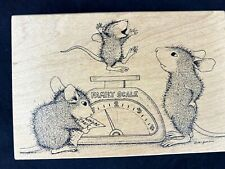 House Mouse rubber stamp 1997 Weighing baby HM214 collectible