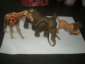 LOT 3 FIGURINES ANIMAUX SCHLEICH - 15 CM - ELEPHANT + GIRAFE + LION PATTE LEVEE