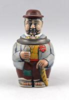 8348026 Westerwälder Figuren-Bierkrug Wanderer mit Korn