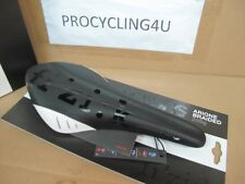 Fizik Arione VS Cycling Saddlle Carbon Braided Rails Channel Road 209 gr 132 mm