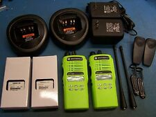 2 Motorola HT1250 UHF 450-512MHz  128 Channel Mint AAH25SDF9AA5AN TESTED