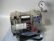 Vakuumpresse Boardselbstbau Thomas Vakuumpumpe USA  -930 mbar 110l/min Ölfrei!