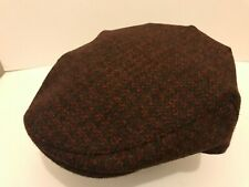 HARRIS TWEED QUALITY GREY FLECKED RED FLAT CAP DRIVING HAT FROM SCOTLAND