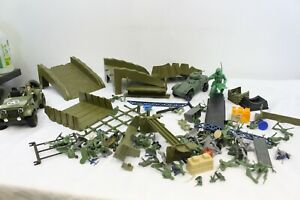 Vintage Military Army Toy Lot Plastic Jeep Army Men