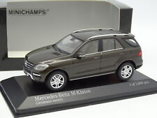 Minichamps 1/43 - Mercedes Clase M Marrón