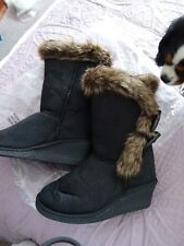 F&S Black faux fur lined wedge heel boots size 5 BNWT