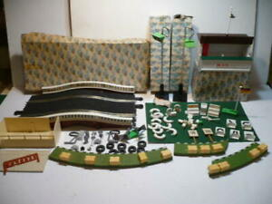 VINTAGE SCALEXTRIC RACE TRACK ASSORTED ACCESSORIES