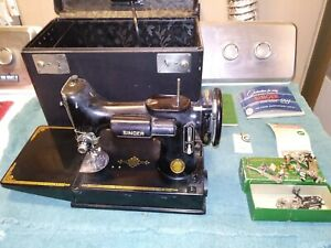 SINGER 221 FEATHERWEIGHT SEWING MACHINE AL412888 W CASE ATTACHMENTS & MANUAL