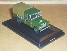 "OXFORD DIECAST LAND ROVER 109"" CANVAS BRITISH RAILWAYS GREEN 1:76 SCALE MODEL"