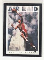 SCOTTIE PIPPEN 1993-94 Skybox Premium Air Raid #321 Chicago Bulls Mint