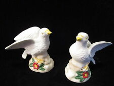 Pair Ceramic Bisque Dove figurines 5.5� x 5.5� hand -painted signed doves